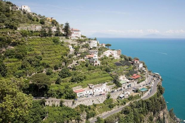 Positano-Amalfi-coast-2-Tatler-24jun14_alamy_b-1.jpg